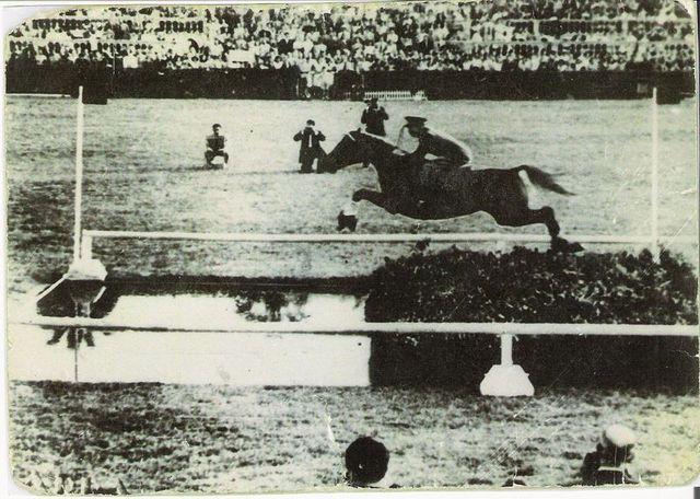 Fernando López de Hierro con el angloárabe AMADO MIO, record del mundo de longitud
