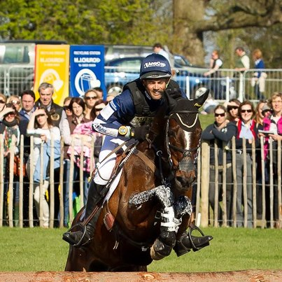 Jonathan Paget con CLIFTON PROMISE en el cross de Badminton