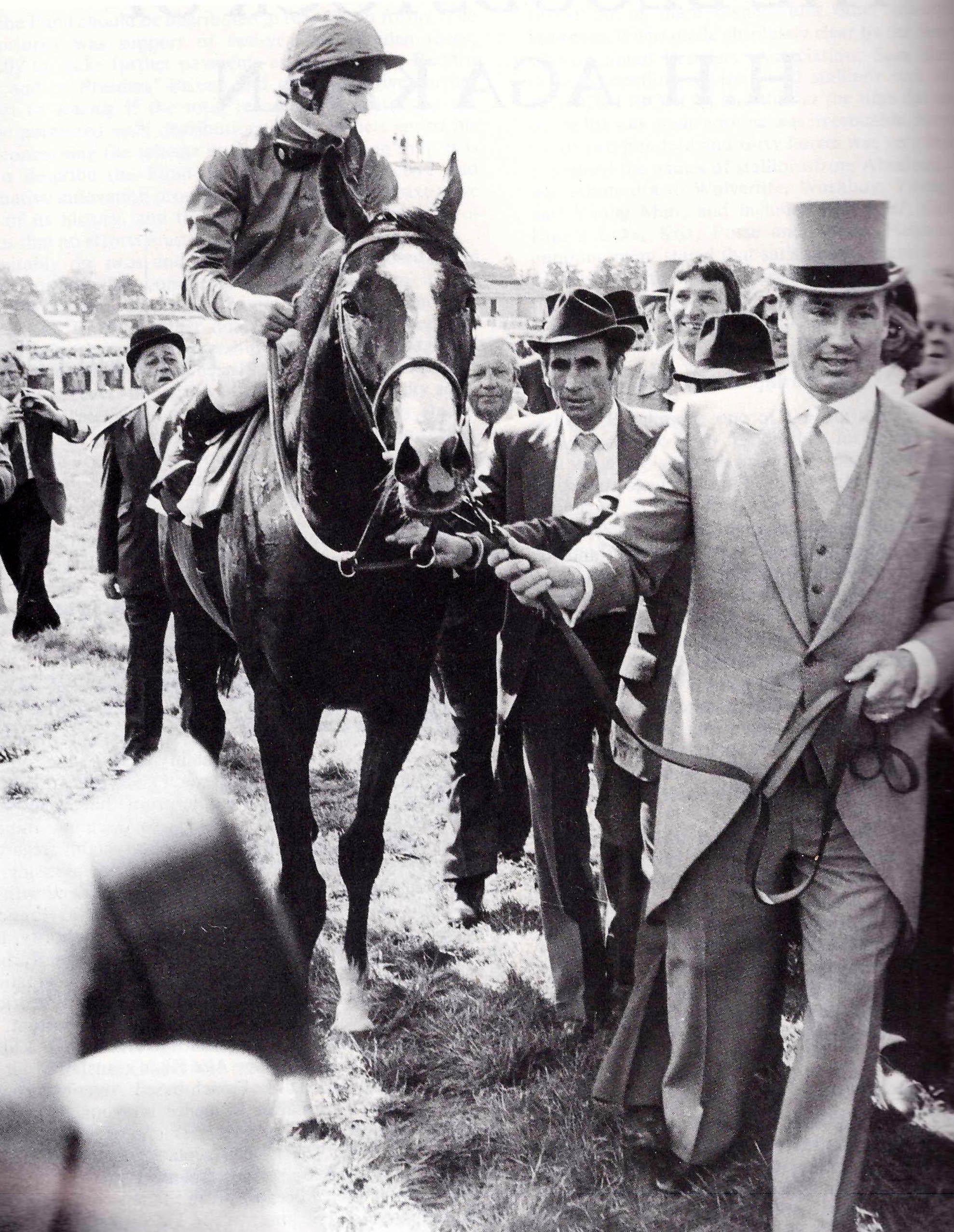 El Aga Khan con SHERGAR montado por Y. Saint Martin al ganar el Derby de Epsom en 1981