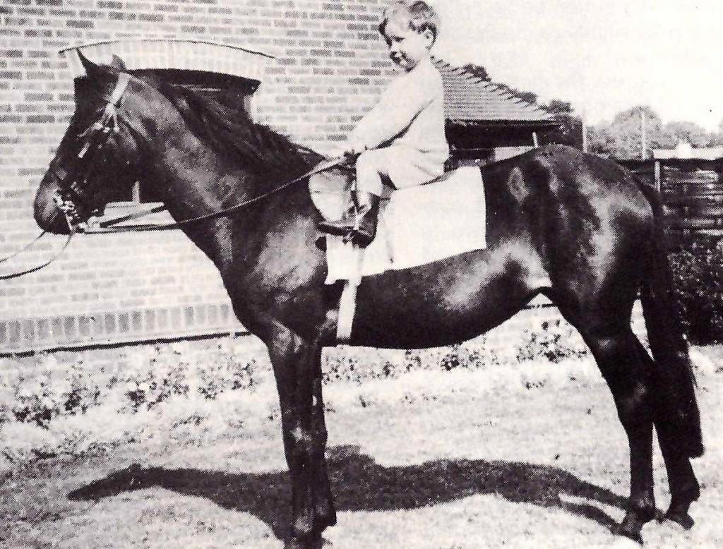 Lester Piggott a los 6 años cpn el poni Brandy