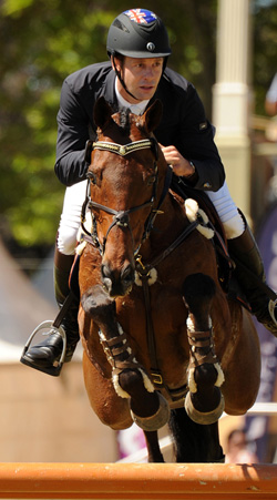 Chris Burton con JAMAIMO. Foto de Horsetalk.co.nz