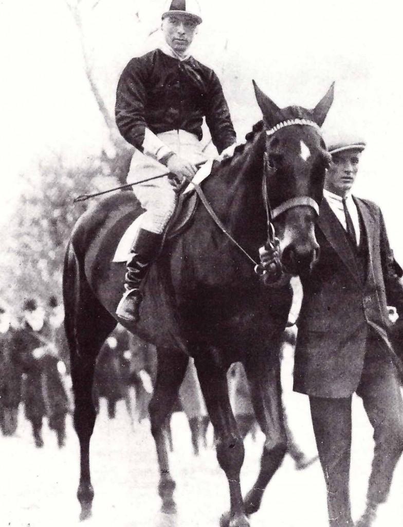 TROYTOWN ganador del Gran National 1920