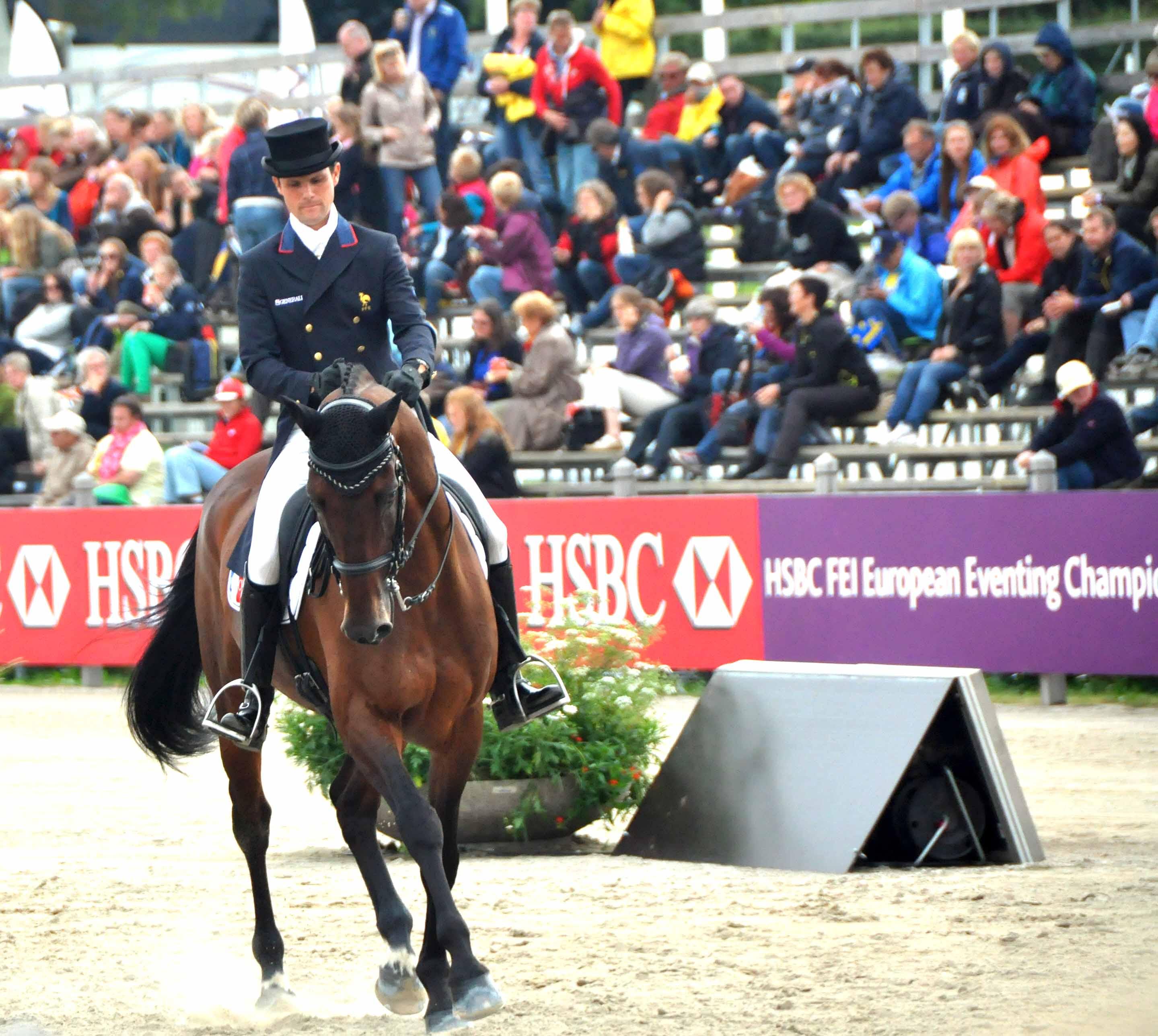 Nicolas Touzaint con LESBOS