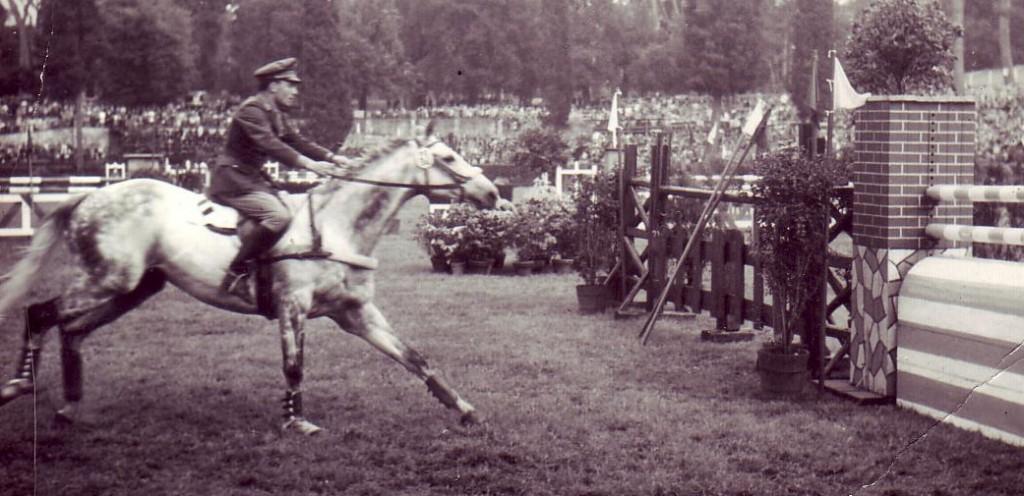 Piazza di Siena 1966. Stefano Angioni  con  ABERALI