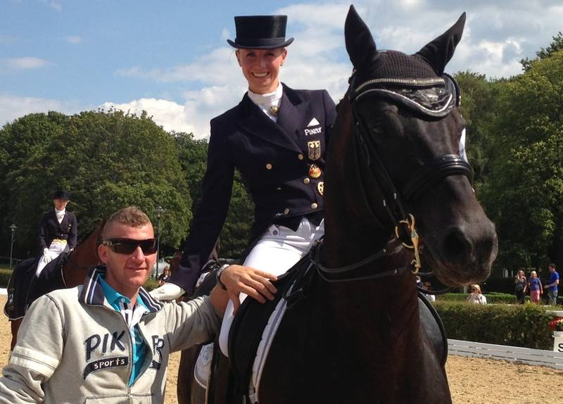 Jessica von Bredow-Wendl con UNEE BB. Foto de aubenhausen.de