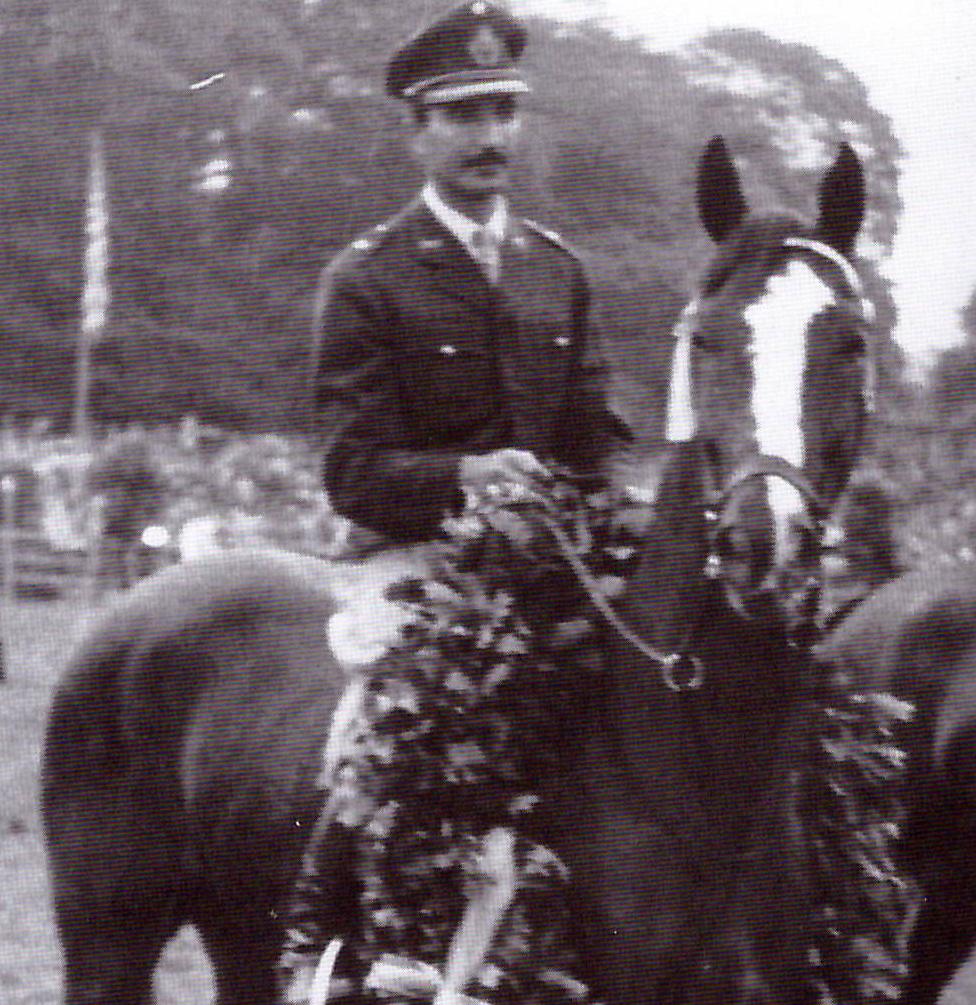 DISCUTIDO con Carlos DElia 4º en el Campeonato del Mundo de Aachen 1956, ganadores del Derby de Hamburgo... También olimico y ganador con J. Molinuevo