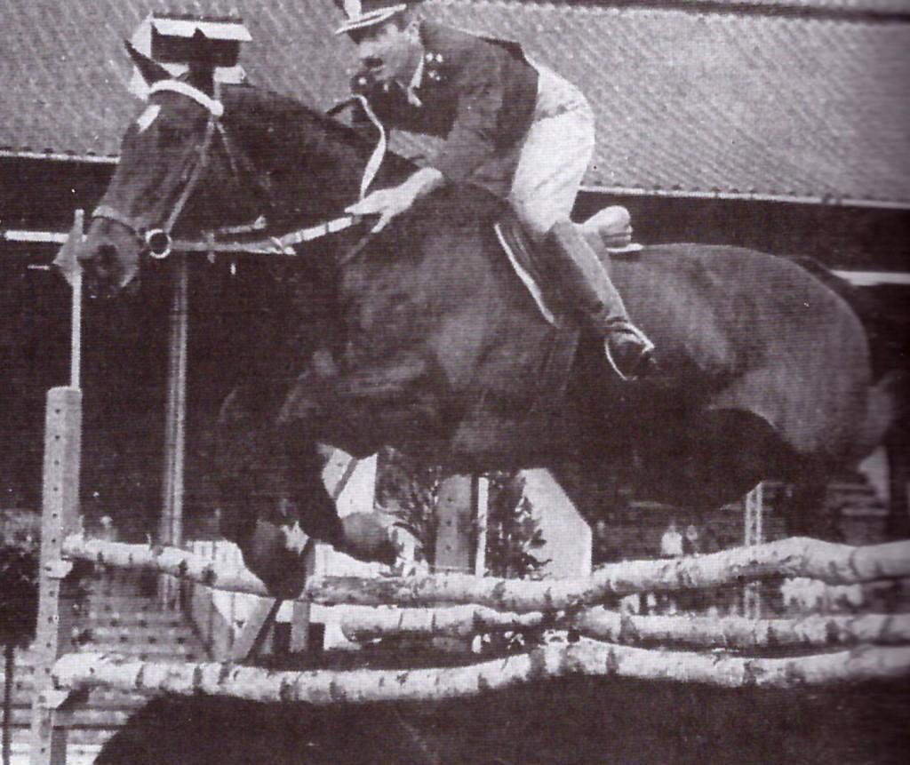 HUIPIL que con Carlos DElia fue madalla de plata en el Campeonato del Mundo en Venecia y competidor en JJ.OO. También ganador y en JJ.OO con N. Pessoa