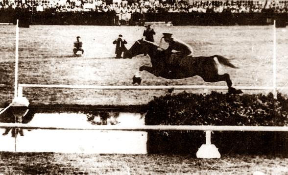D. Fernando López del Hierro record del mundo de longitud con AMADO MÍO