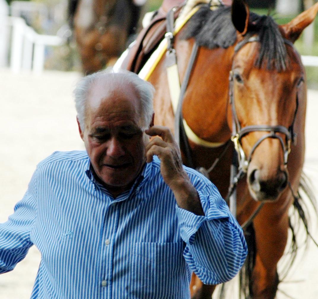 El veterano jinete de Zaragoza Benito Conde, propietario de la Y. Aragón