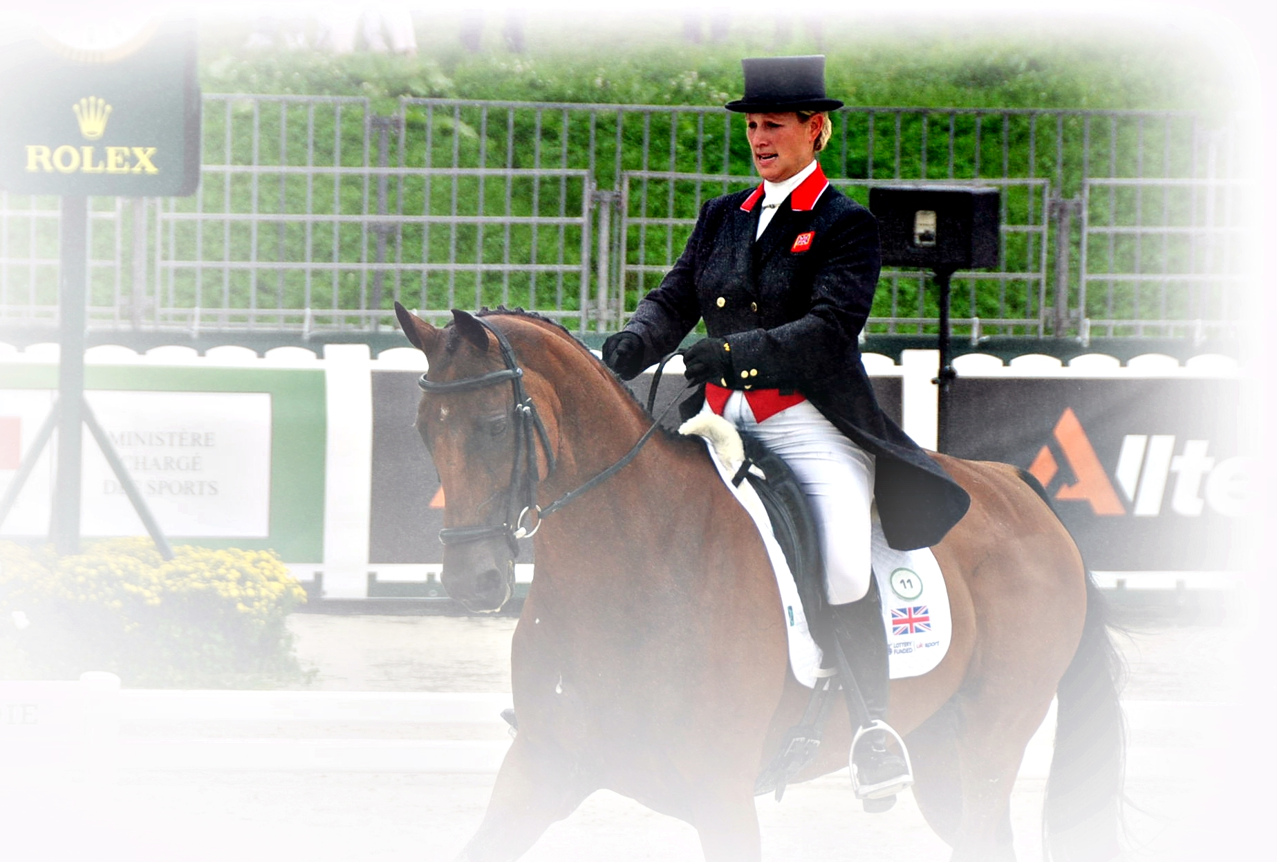 Zara Phillips con HIGH KINGDOM en la doma de los JEM 2014.