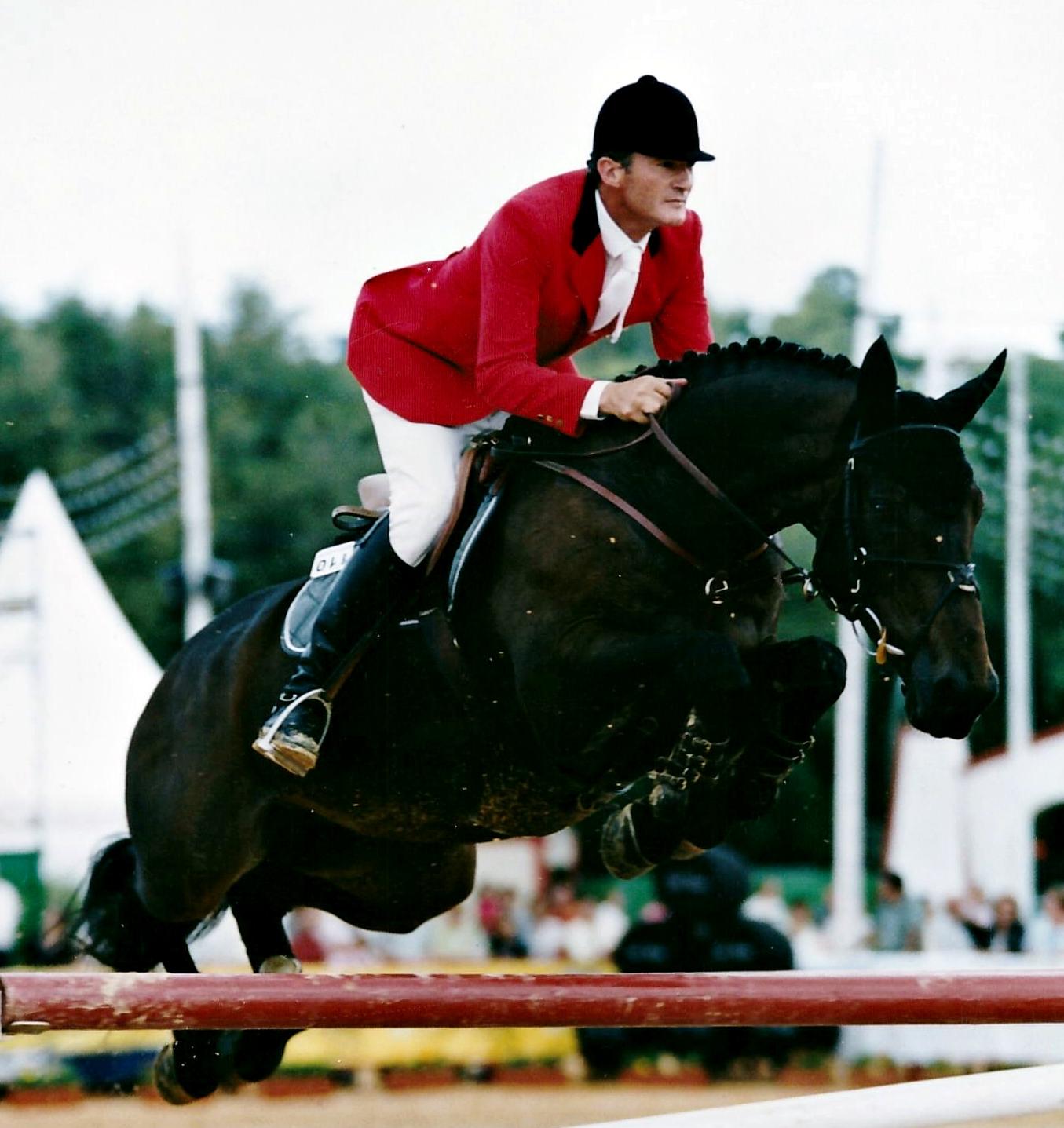 Luis Astolfi,  entrenador de salto del Completo de España, montando a DANDY DU BOURG