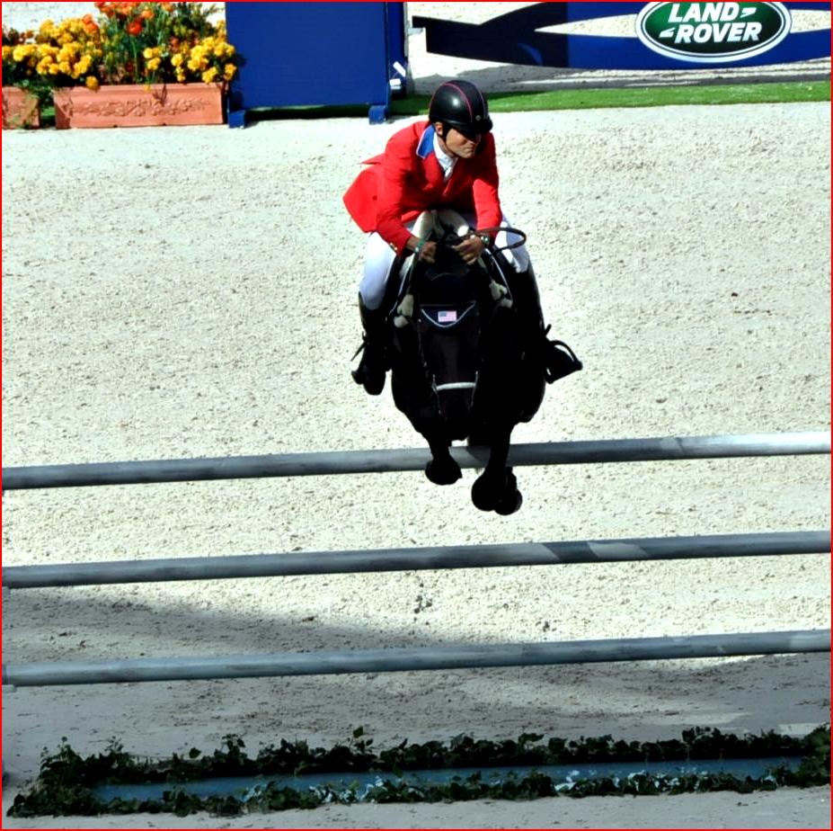 Boyd Martin con en el salto en pista de los JEM 2014