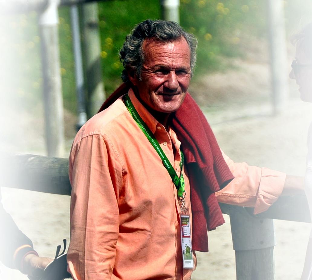 El entrenador ofiocial del salto del completo españpol  Liuis Astolfi en los JEM 2014