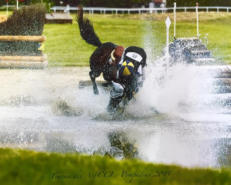 Caída en el agua de QUINCHA en el CIC* de Pompadour 2015 con el gaditano Esteban Benítez