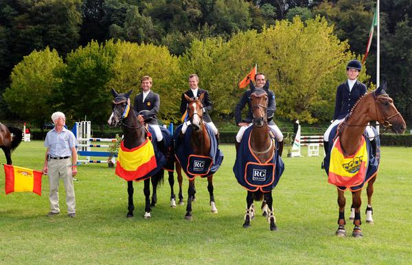 El equipo de España ganador de la Copa de Naciones de Montelibretti capitaneado por Marck Lucey formando por Carlos Díaz, Martí Salas, Albert Hermoso y María Pinedo