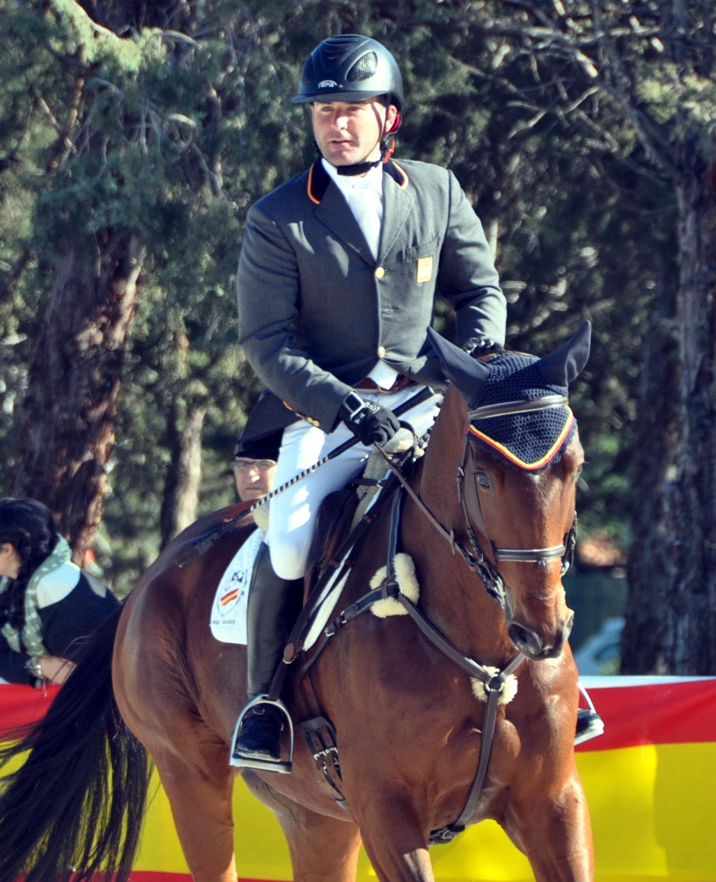 Carlos Díaz con JUNCO conm el que ganó el Cto. de España 2015 (asimismo el de 2013 y 2014). Caballo de la cría de Antonio Campos, otro de los importantes criadores españoles de cabnall