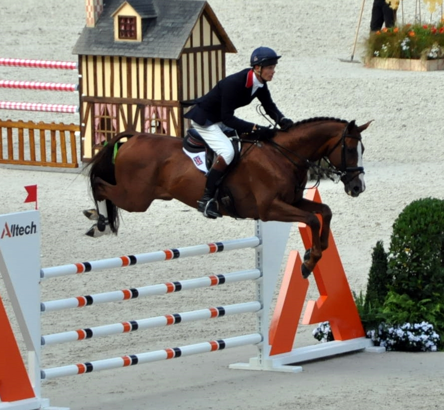 CHILLI MORNING con William Fox Pitt en el salto en pista del completo de los JEM 2014